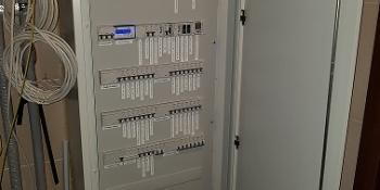 krycí panel na elektrický rozvádzač